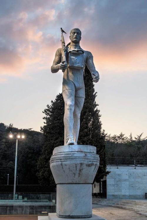 Foro Italico, posąg żołnierza - dekoracja kortu tenisowego