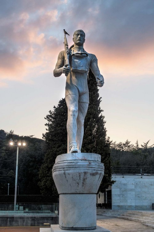 Foro Italico, statue of a soldier – decoration of the tennis court