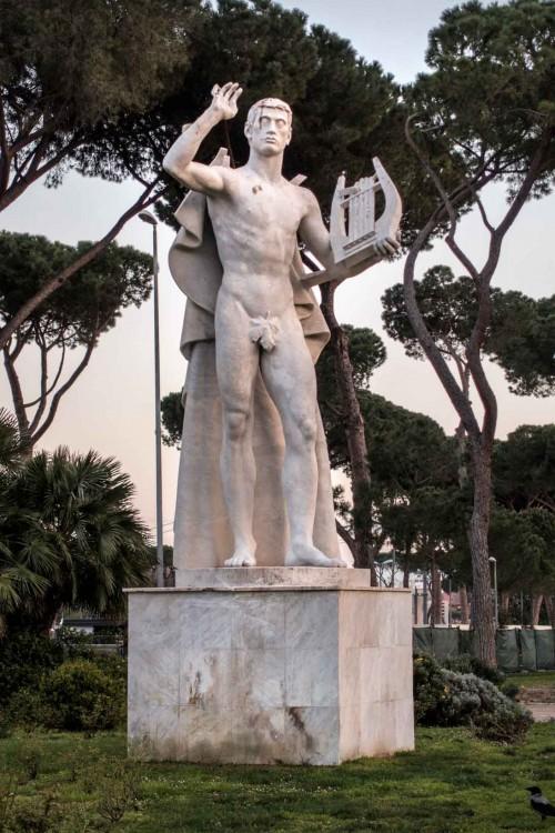 Foro Italico, rzeźba na tyłach pływalni