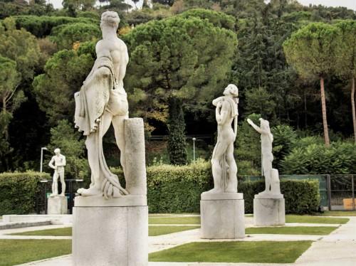 Foro Italico, rzeźby na terenie kortów tenisowych