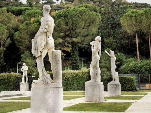 Foro Italico, sculptures at the tennis courts