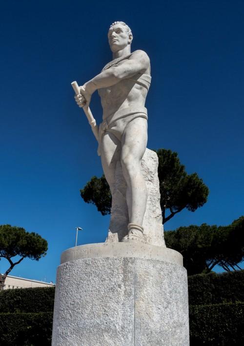 Foro Italico, Stadio dei Marmi, jeden z marmurowych atletów