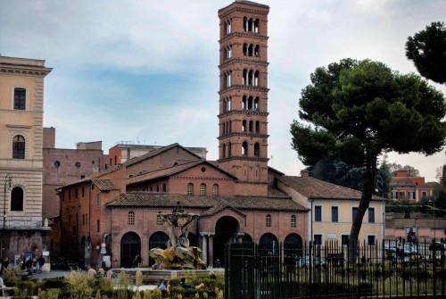 Kościół Santa Maria in Cosmedin, Piazza della Verita