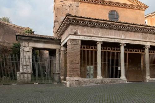 Łuk Srebników (Arco degli Argentari), belkowanie z reliefem przedstawiającym Herkulesa