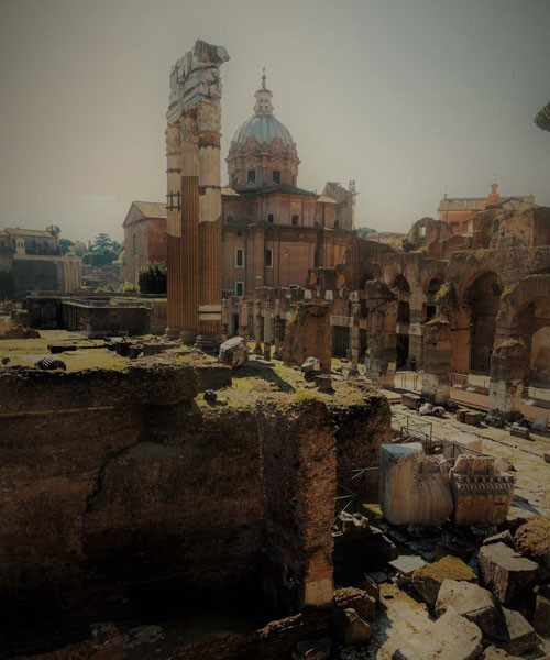 Forum Cezara, w tle kościół Santi Luca e Martina
