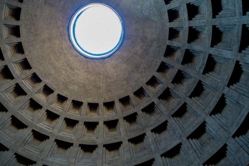 Kopuła Panteonu powstała z inicjatywy cesarza Hadriana - do dziś jedno z najznakomitszych rozwiązań inżynieryjnych
