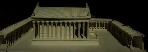 Hadrianeum, świątynia wraz z otaczającą ją kolumnadą, model