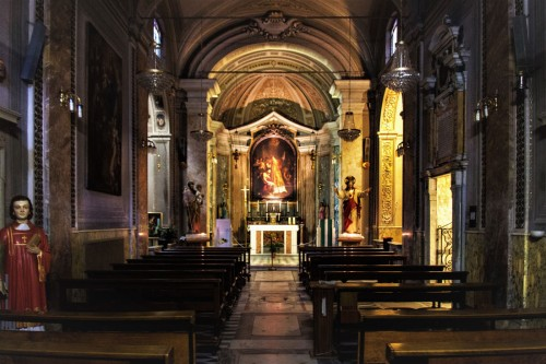 Church of San Lorenzo in Fonte (Santi Lorenzo e Ippolito), interior, design by Domenico Castelli